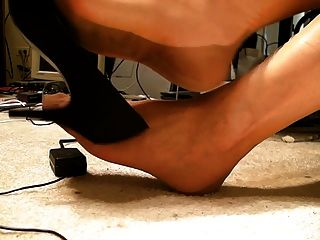 Full Fashioned Stockings, Feet, Shoe Dangle, No Cum ..