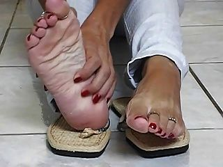 Sexy Mature Thick Latina Soles 3
