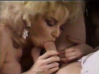 Chessy Morre Huge Meloned Blonde In Acvtion