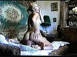 Felicita - Russian Lady Facesitting - Short 60sec