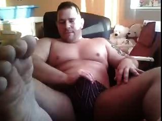 Chatroulette Straight Guys Feet - More Of The Straight Bear