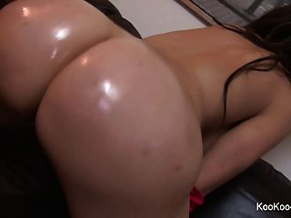 Amy Anderssen Teases The Camera With Her Ass