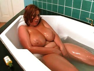 Mommy Plays With Herself In The Bath