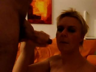 Amateur - She Loves The Cum