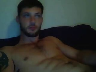 Hot Dude Jerks Off On Cam