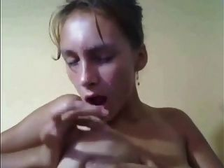 Lactamanija- Girl Show Self In Webcam