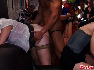 Real Euro Amateur Giving Head To Kinky Dude