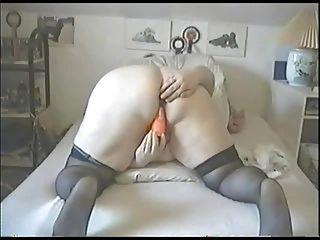 Mature Fat Girl Masturbates