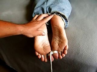Milf Tina Gets A Cumshot On Her Tied Feet