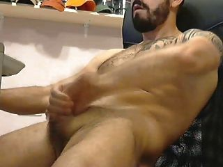 Hot Tatooed Muscle Stud Jack-off