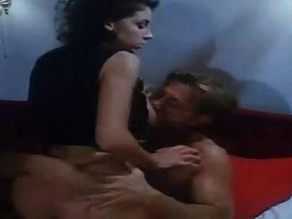 Sarah Young E Cristoph Clarck In Sexy Killer Scena