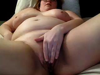 Webcam Girl Masturbates