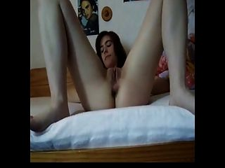 Amateur Fingering Her Pussy