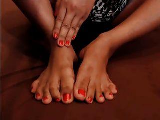 Thai Gal-red Toes