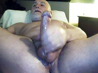 Sexy Hung Polarbear Jack Off