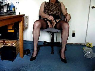 Masturbating And Showing Off. Feeling Soooo Femme.