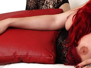 Thick Beauty Shemale Shows Perfect Mastrubation Skills