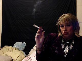 Short Blond Hair Sissy Gurl Smoking