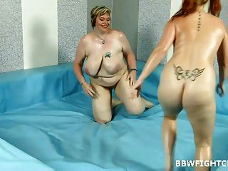 Chubby Mother Amy Wrestling With Bbw Blonde Diana