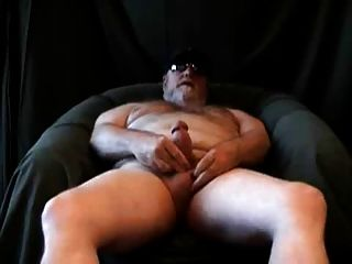 Chubby Bear Jerking