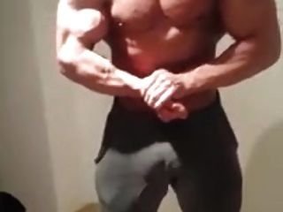 Str8 Bodybuilder Flexing & Bulge