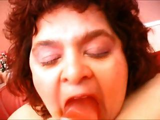 Fatty Mature  Masturbating Her Kitty With Dildo