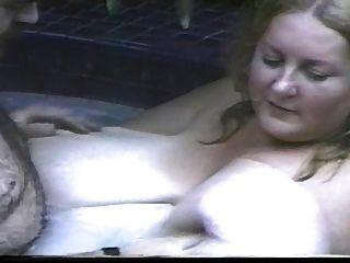 Femme Tres Ronde, Des Seins Enormes, Bonheur