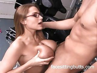 Big Tit Teen Loves Jerking Off Bikers