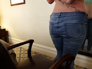 Chesty Kimberlee Pleasing Her Snatch With A Toy