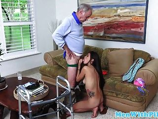 Cocksucking Teen Fucked On Oldmans Walker