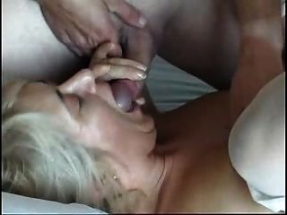 4 Guys And A Milf
