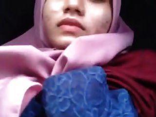 Malay Tudung- Awek Puki Berbulu Kesedapan Kena Celup