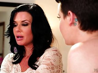 Veronica Avluv And Her Lesbian Step Daughter