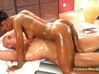 Hot Chocolade Slippery Massage Sex