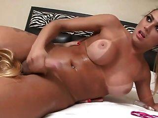 Beauty Smothers Slut!