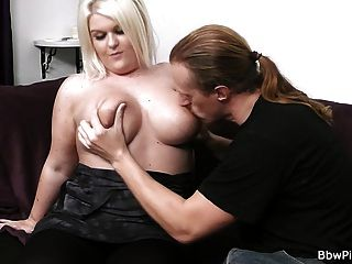 First Date Sex With Sexy Chubby Blonde
