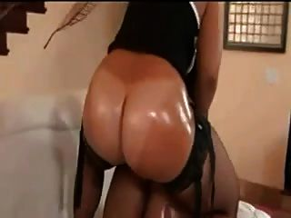 Black Sluts Fuck Eachother With Huge Strapon