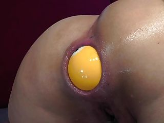 Asian Girl Take Deep In Her Anus Billiard Balls