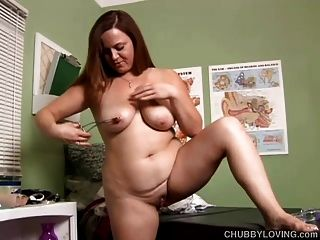 Kinky Chubby Chick Wishes You Were Fucking Her Juicy Cunt