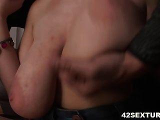Armpit Fucking And Anal - Terra Nova