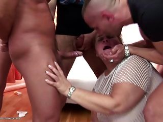 Amateur Mature Moms Get Insane Fuck With Pee