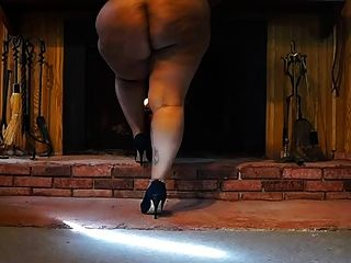 Black Bbw Piss On Slave