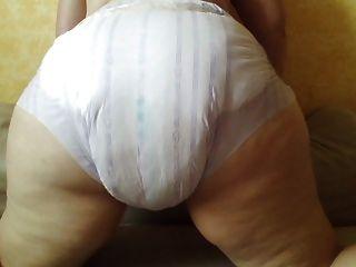 Vorfuehrung Koerper In Windeln - Body In Diapers