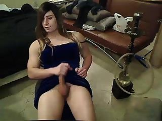 Big Dick Sissy Likes To Jerk