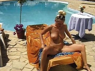 Sexy Busty Kinky Legend Pissing & Masturbating Outdoor