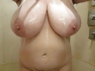Lateshay 38hh Boobs In The Shower