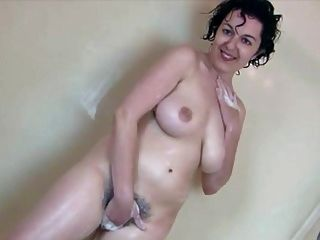 Juive Sous La Douche - Jewish Natural Hairy In The Shower