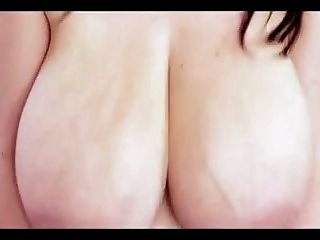 Huge Massivr Natural Boobs Bouncing Tits