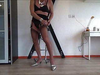 Full Fashion Seamed Stocking Fetish Girl