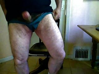 Big Dick Daddy Bear Jerking And Cumming